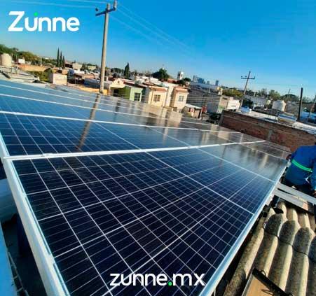 Beneficios-paneles-solares-para-tienda-abarrotes.